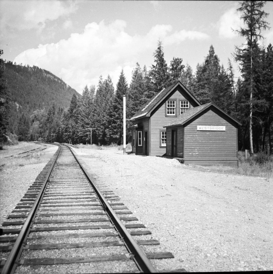 Title proper Westbridge CPR depot General material designation     Graphic material Title statements of responsibility Photograph taken by David Davies. Title notes     Source of title proper: Derived title. Level of description Item Repository Northern BC Archives & Special Collections Reference code 2013.6.36.1.027.14 Dates of creation area Date(s)     [July 1966] (Creation) Physical description area Physical description 1 photograph : b&w ; 9 x 9 cm Archival description area Scope and content Photograph depicts the Westbridge CPR depot on the Kettle Valley Line. It is located about 11 miles north of Rock Creek and at about mile 123.3 east of Penticton. The depot house is disused and the sidings contained no cars, so there appears to be no local traffic.